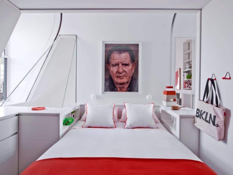 Спальня в  цветах:   Белый, Бордовый, Светло-серый, Серый.  Спальня в  стиле:   Минимализм.