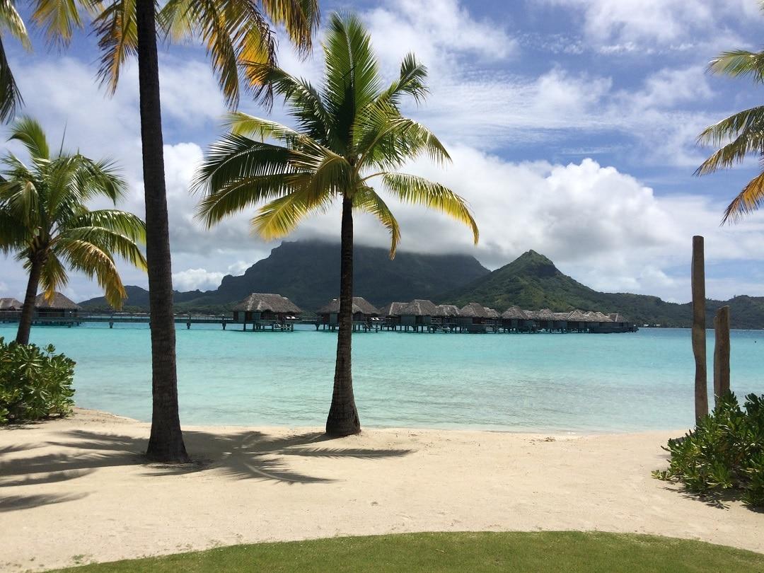Где жить хорошо: 5 необычных островов, где исполняются мечты