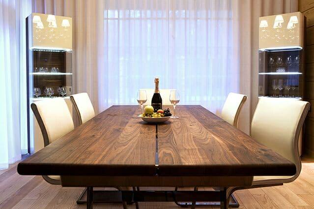 Кухня/столовая в  цветах:   Бежевый, Белый, Светло-серый, Темно-коричневый, Черный.  Кухня/столовая в  стиле:   Минимализм.