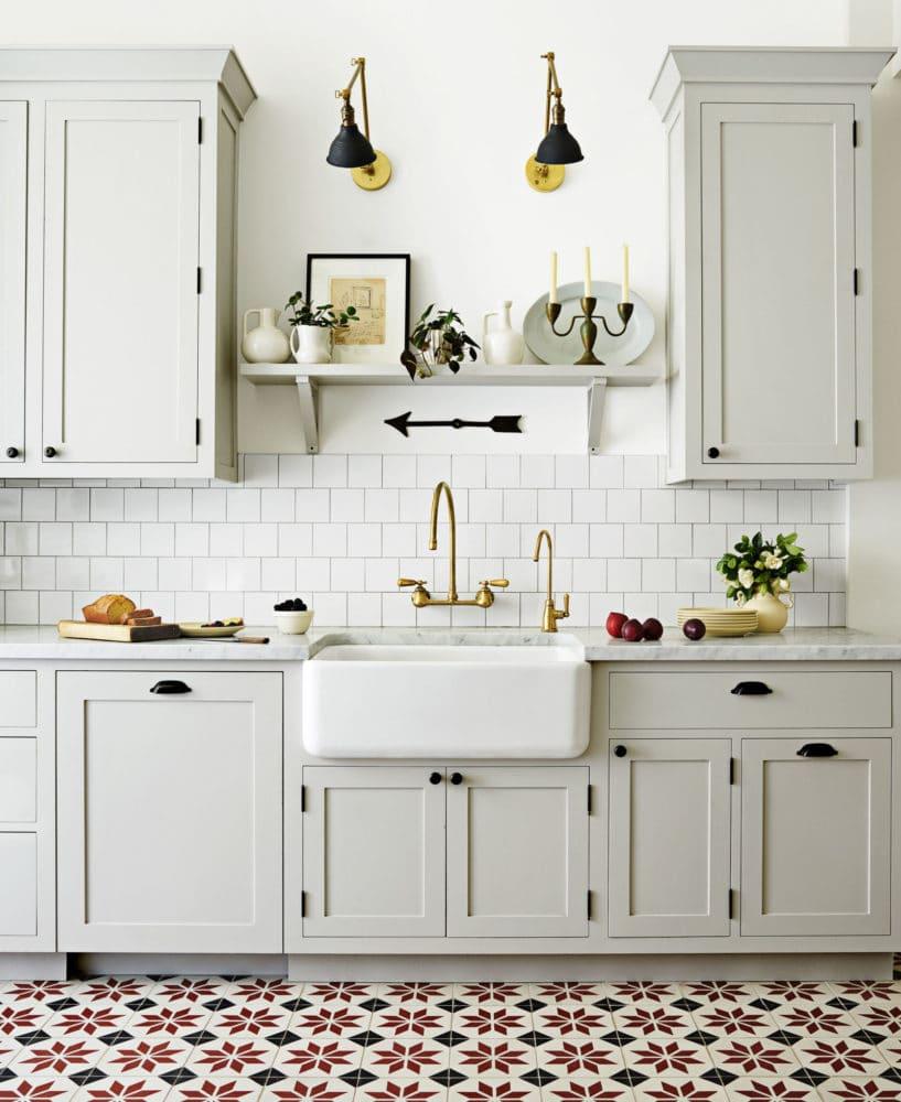 Кухня/столовая в  цветах:   Бежевый, Белый, Светло-серый.  Кухня/столовая в  стиле:   Скандинавский.