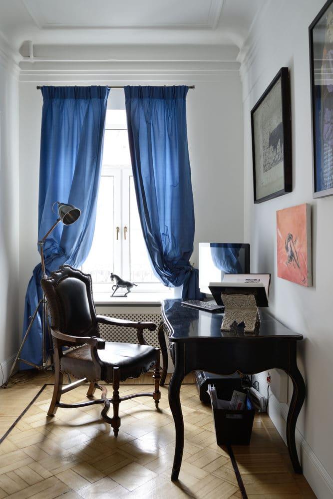 Кабинет в  цветах:   Бежевый, Светло-серый, Серый, Фиолетовый, Черный.  Кабинет в  стиле:   Классика.