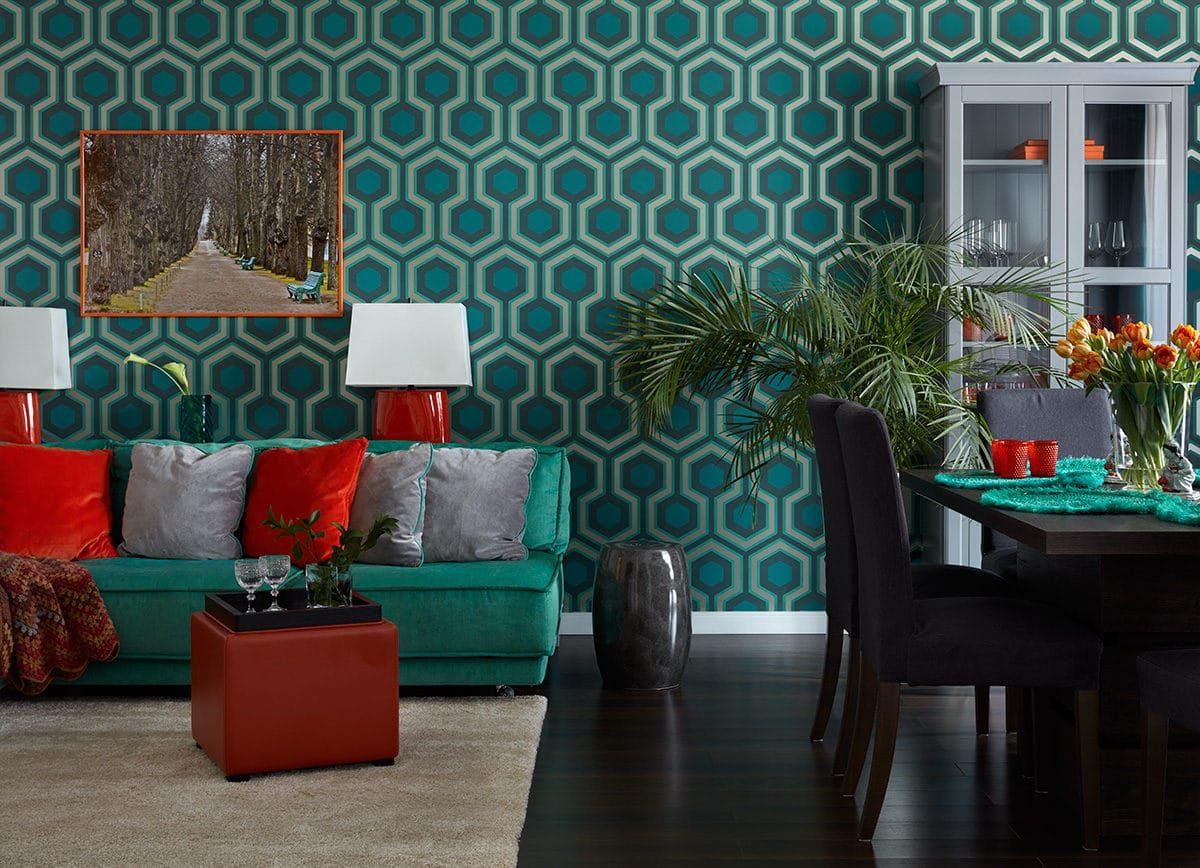 Цветной интерьер: 5 самых ярких квартир года