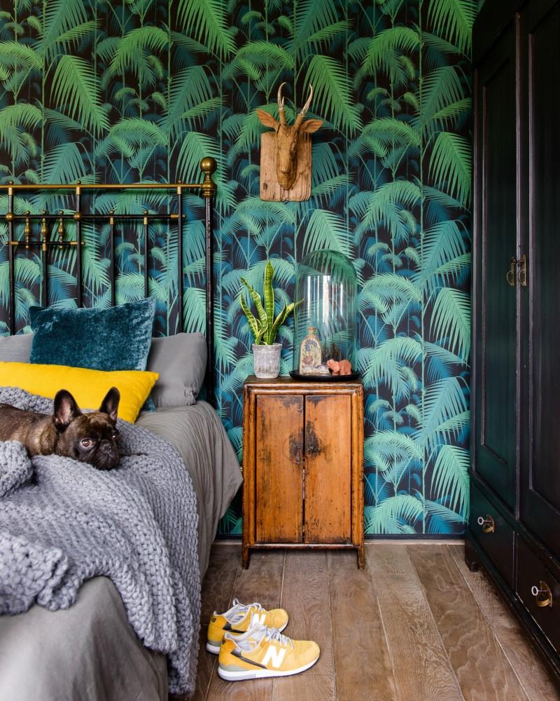 Спальня в  цветах:   Бежевый, Бирюзовый, Голубой, Коричневый, Темно-зеленый.  Спальня в  стиле:   Минимализм.