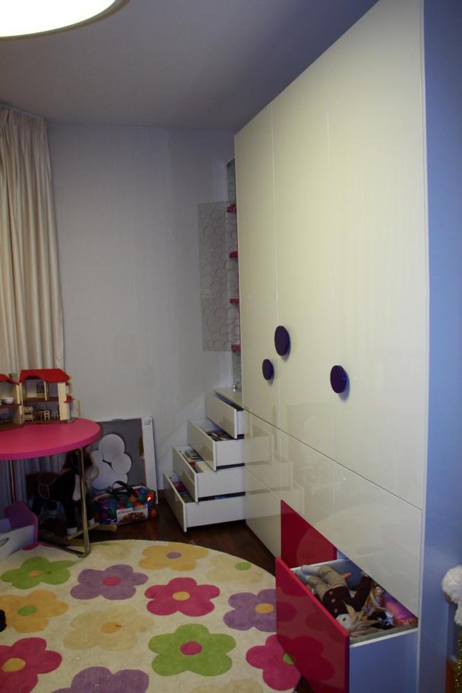 Ванная комната, мебель из мрамора собственного дизайна и производства.