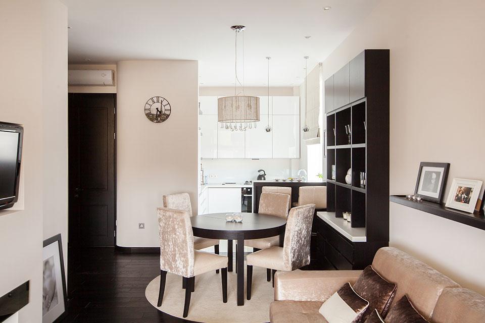 Бежевый интерьер: двухкомнатная квартира площадью 45 метров