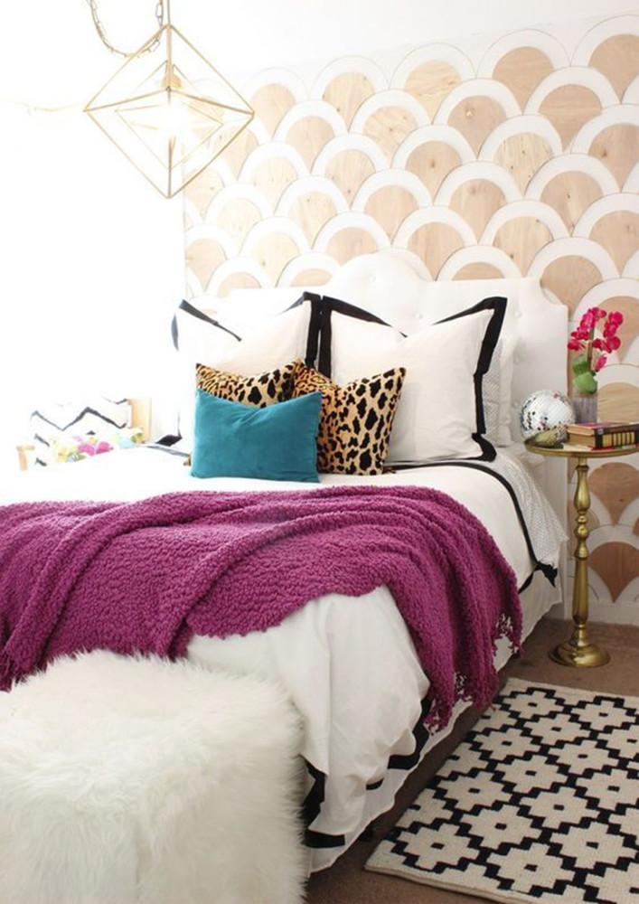 Спальня в  цветах:   Бежевый, Сиреневый, Фиолетовый.  Спальня в  стиле:   Скандинавский.
