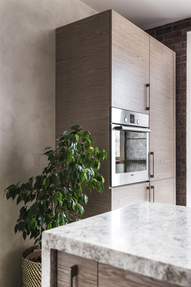 Кухня/столовая в  цветах:   Бежевый, Светло-серый, Темно-зеленый, Темно-коричневый.  Кухня/столовая в  стиле:   Минимализм.
