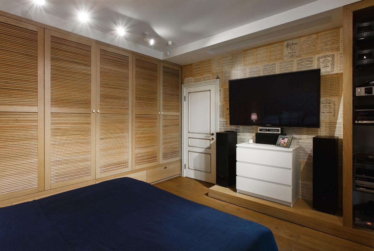 Спальня в  цветах:   Бежевый, Коричневый, Светло-серый, Фиолетовый.  Спальня в  стиле:   Минимализм.