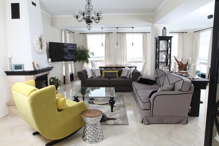 Как дом с готовой отделкой превратился в стильное и уютное жилище
