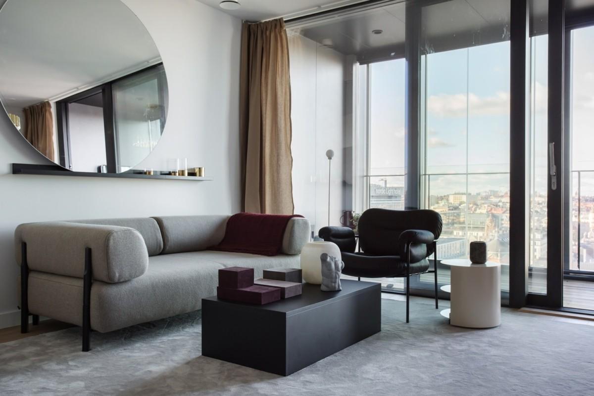 Что повесить над диваном: 35 вариантов и полезные советы