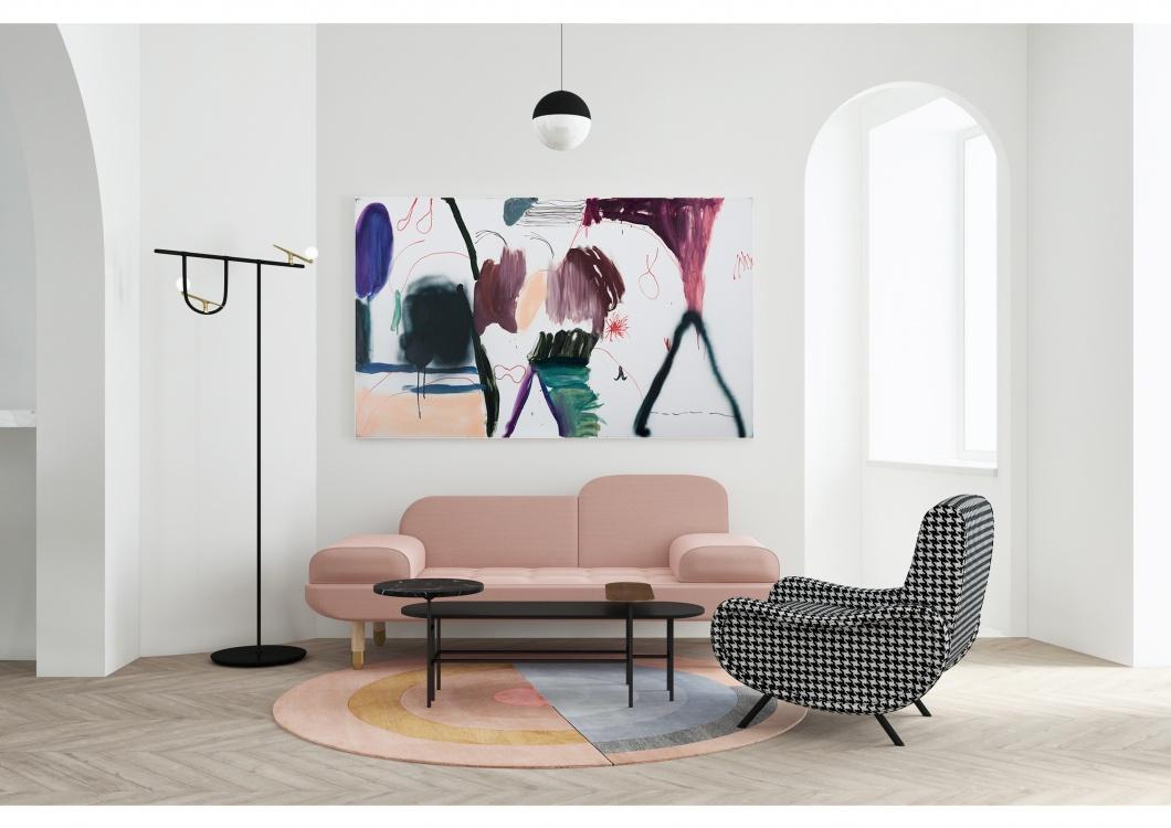 Квартира в Москве с розовой кухней для галеристки