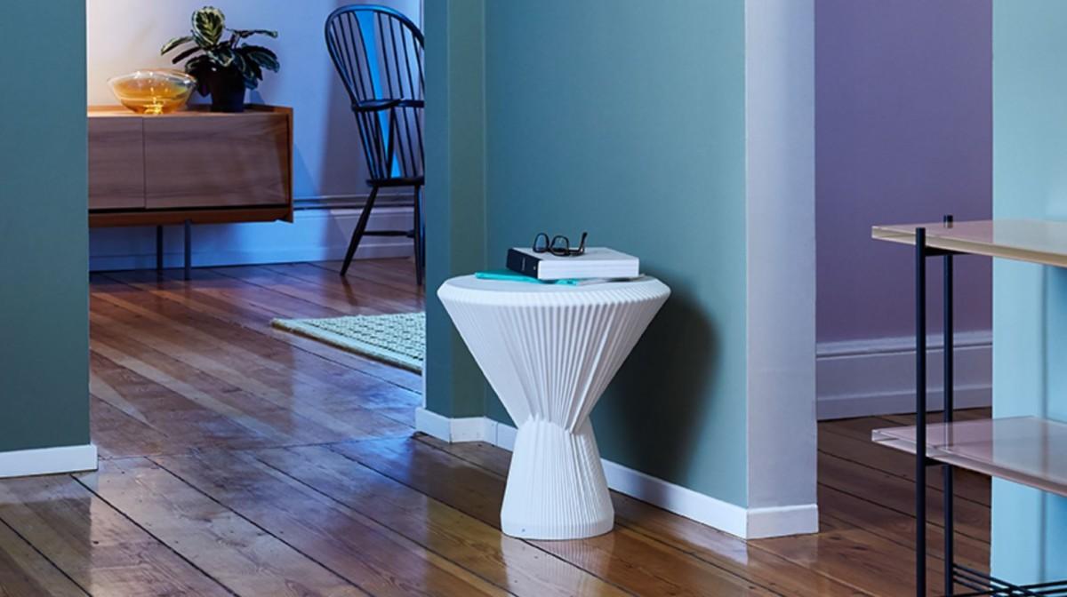 Оригинальная мебель: столик из фарфора