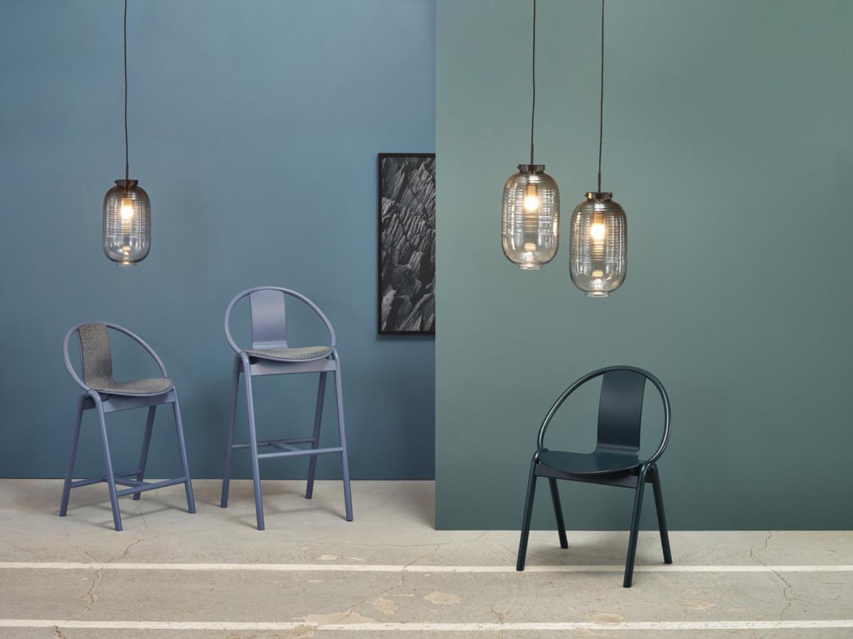 Коллекция стульев от компании Ton и дизайнера Александра Гуфлера