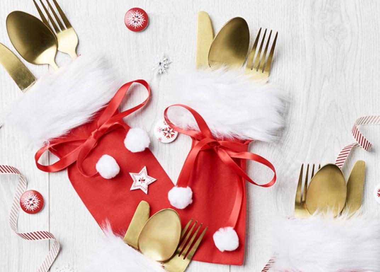 Как украсить новогодний стол: 36 вариантов декора для столовых приборов