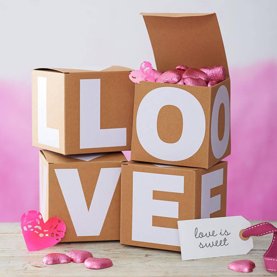 Как красиво упаковать подарок на день влюбленных: 7 красивых идей
