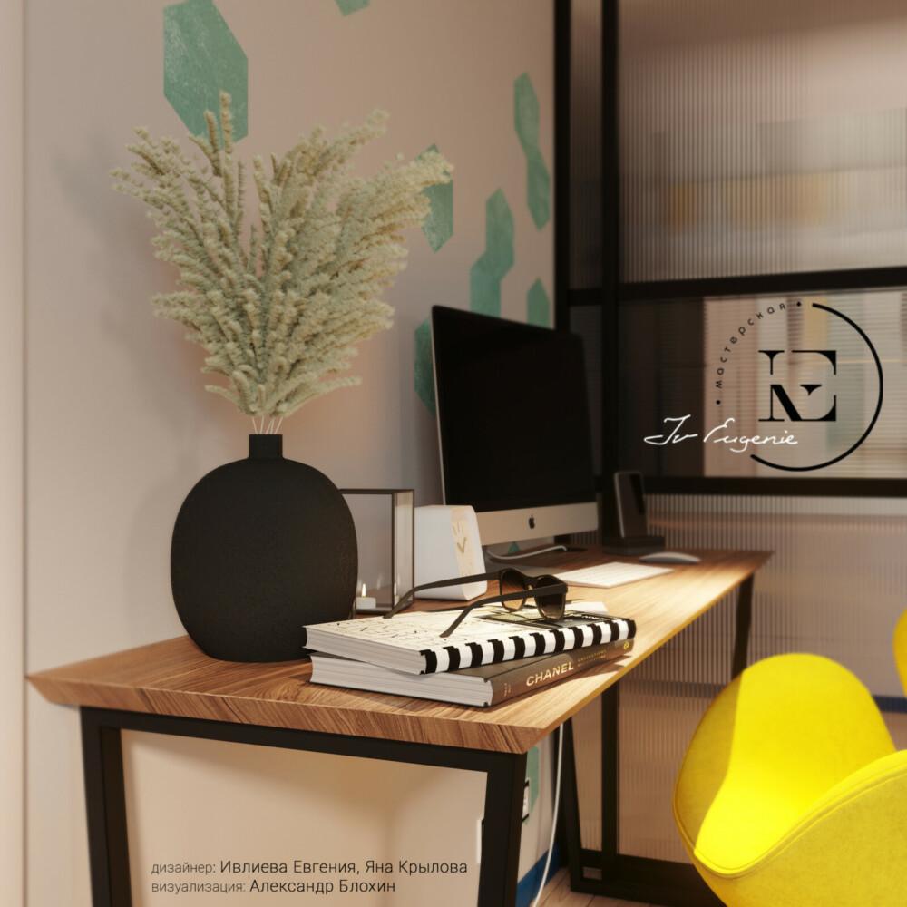 В зоне гостиной, по желанию хозяина-меломана, было устроено рабочее место. Так как в квартире нет отдельного кабинета, то лучшего места для работы просто не найти. Мягкое удобное кресло ярко-желтого цвета поднимет настроение и настроит на рабочую обстановку.