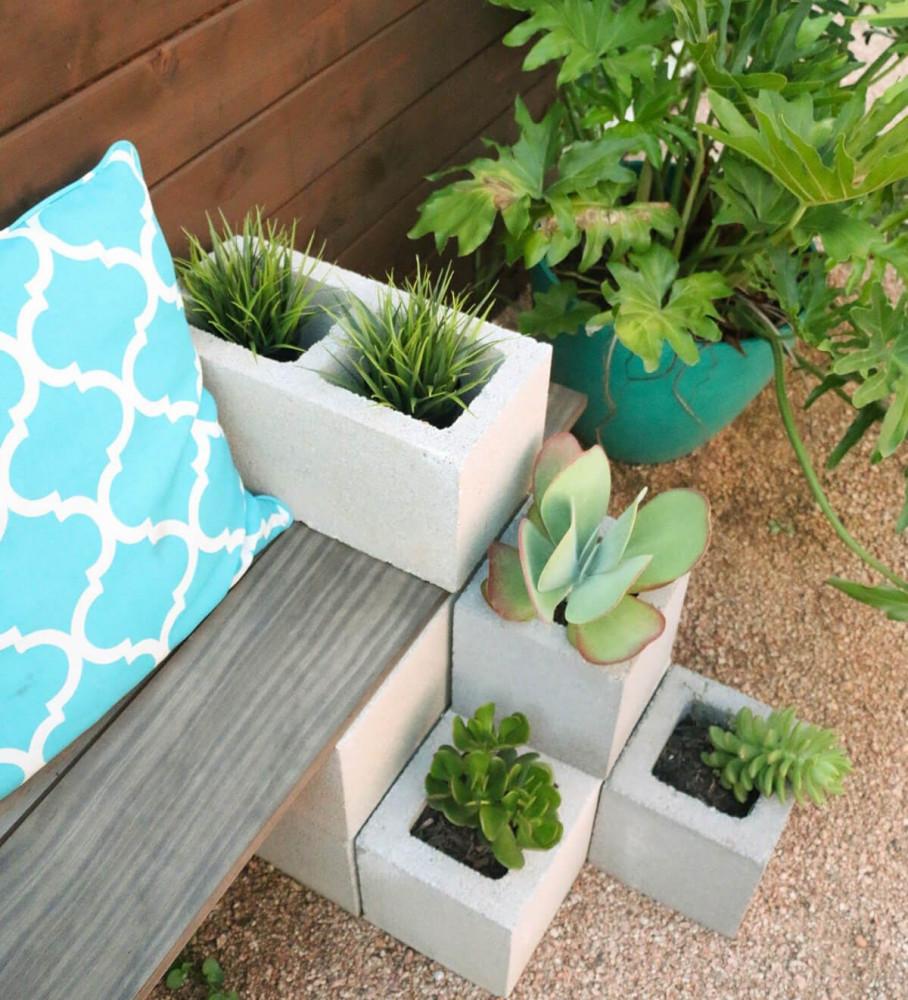Садовый дизайн с помощью шлакоблока: 11 простых и полезных идей для дачи